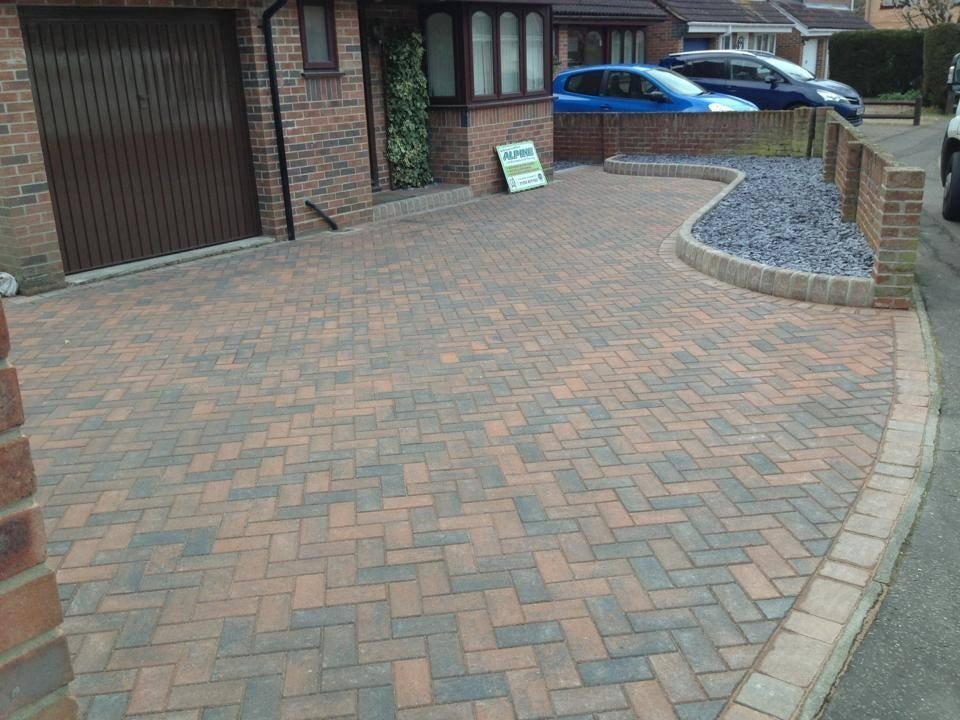 Basic driveway construction, marshalls burnt ochre paving