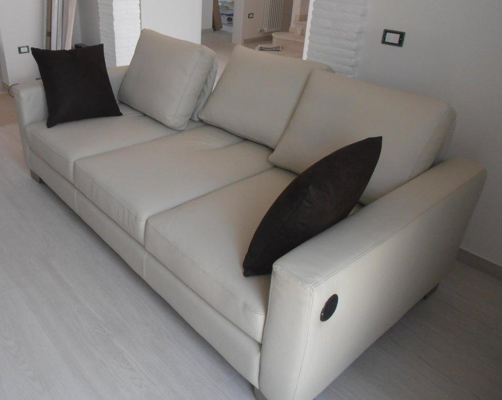 divano 3 posti con schienale reclinabile