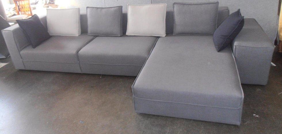 divano in tessuto su misura