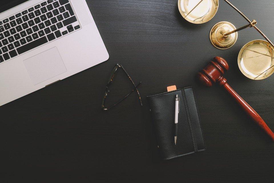 Diritto delle locazioni verona studio legale bariani for Scrivania avvocato