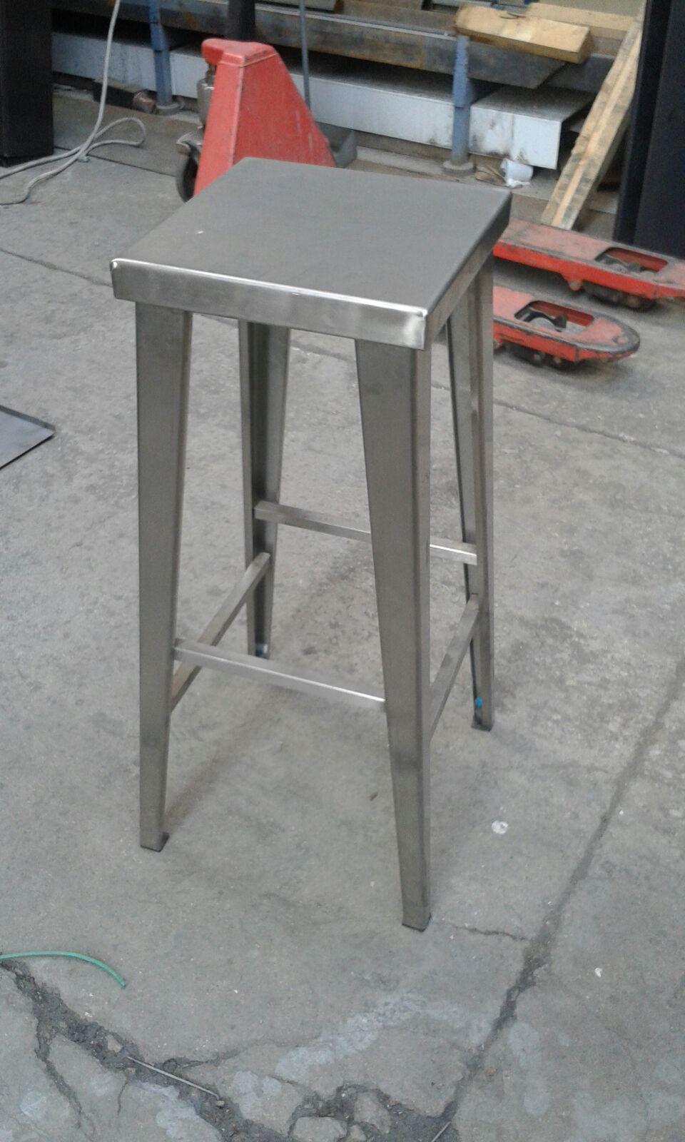 Sgabello in acciaio Inox