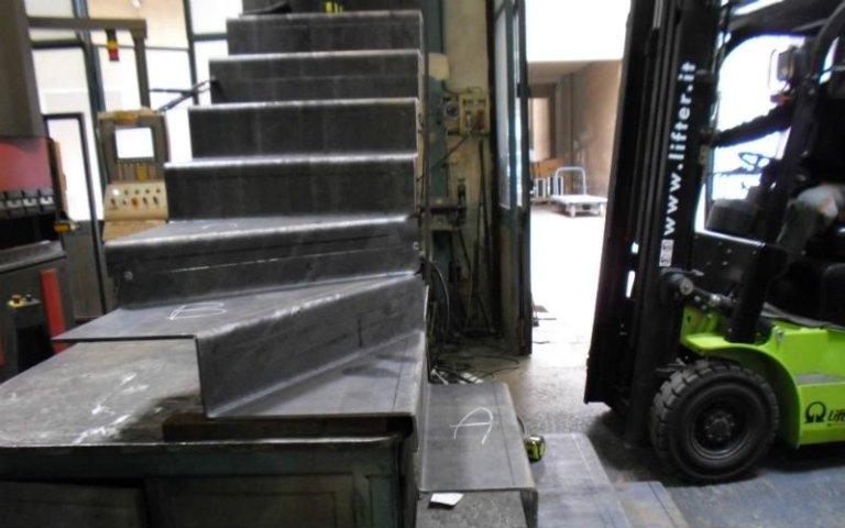 realizzazione scale per esterni in ferro