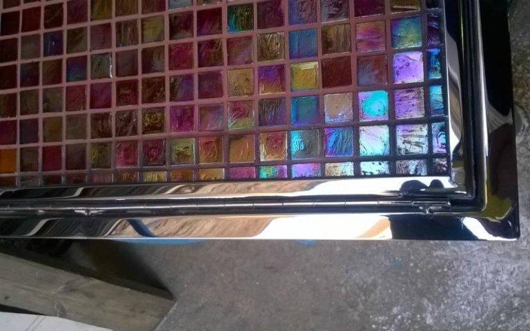Botola sagomata ad arco in acciaio lucido