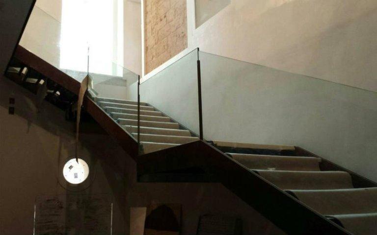 scala in corten e vetro