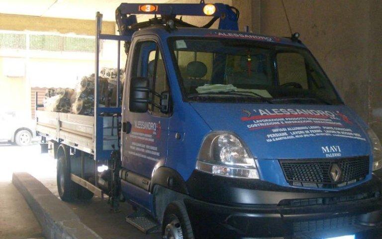 autocarri per trasporto lavorazioni in metallo