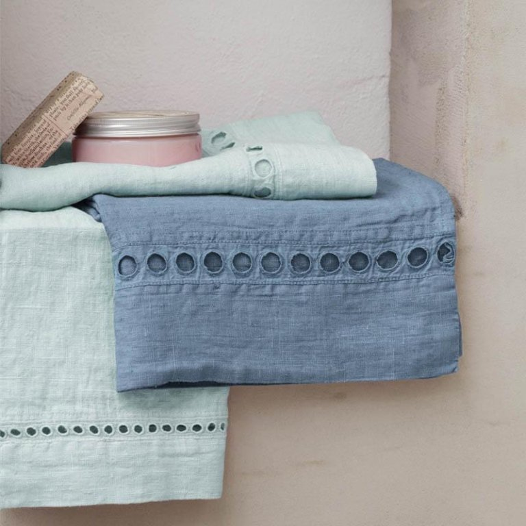 Asciugamai e ospiti in lino