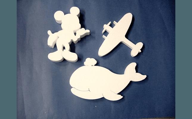 topolino, aereo e balena in polistirolo