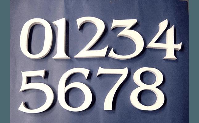 numeri in polistirolo
