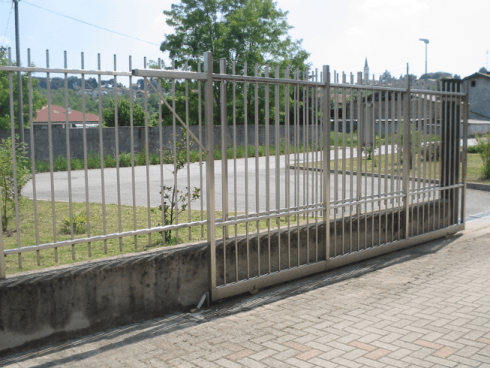ringhiere con cancello scorrevole
