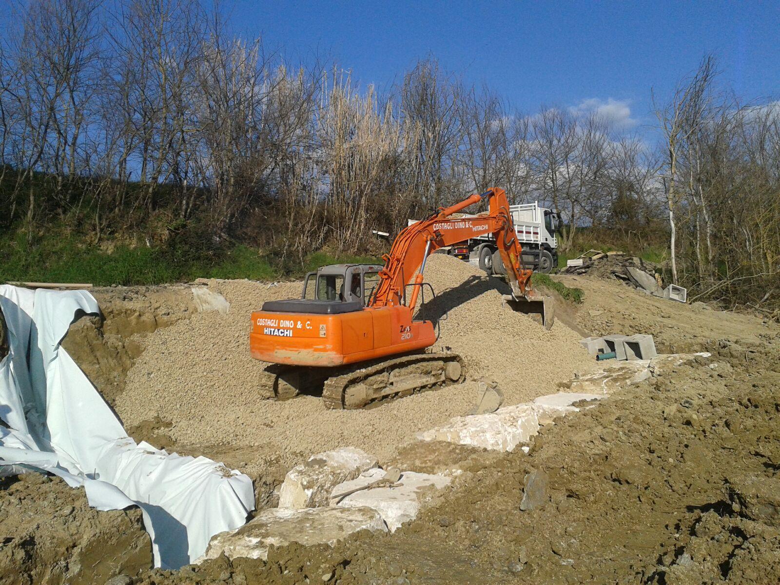 scavatore all'opera