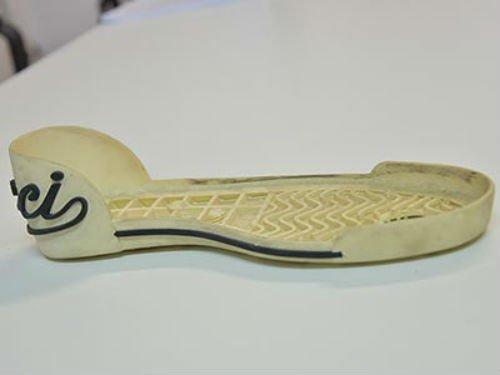 Suola di scarpa in plastica dura