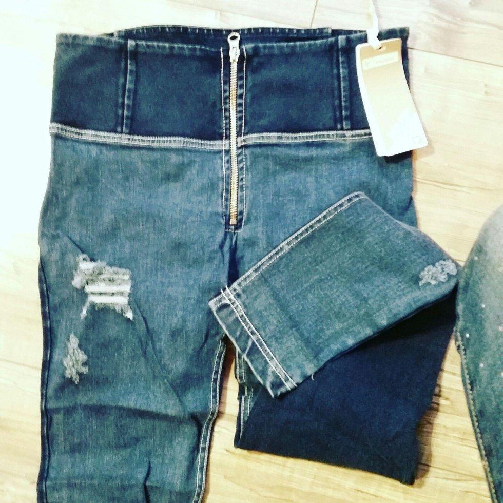 pantaloni freddy
