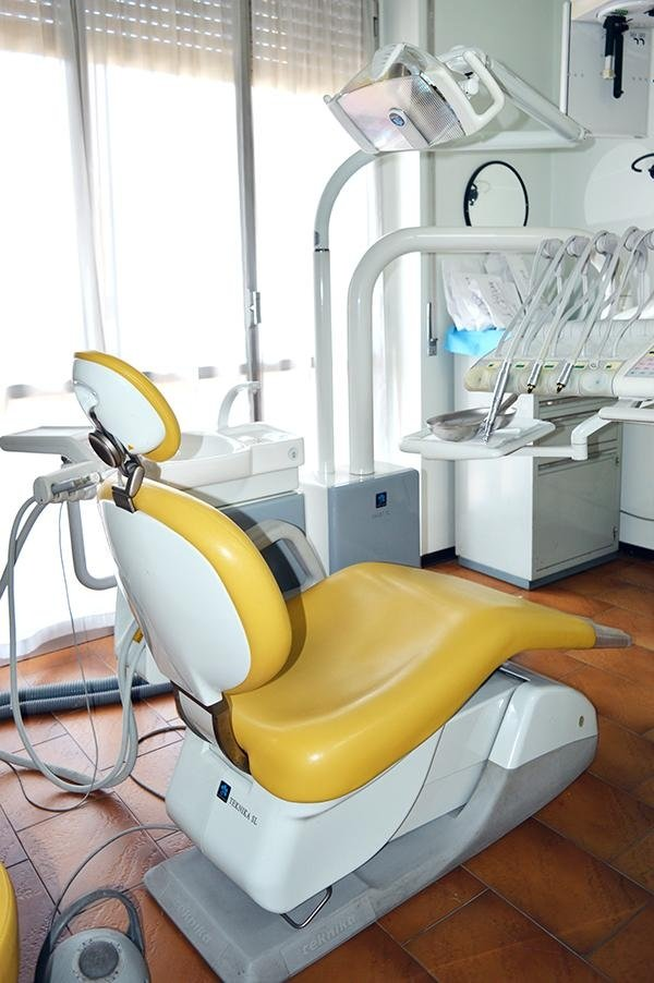 Lettino odontoiatrico