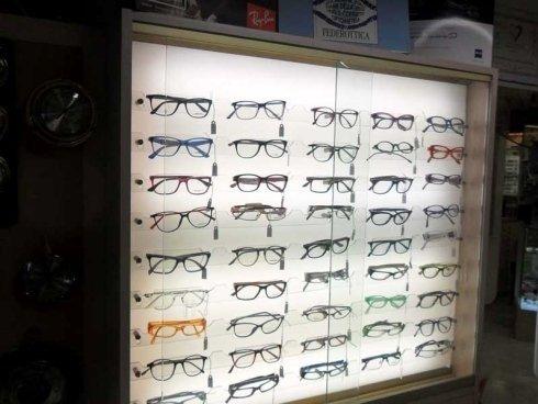 modelli di occhiali diversi