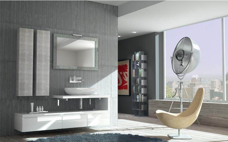 bagno con basi sospese bianche