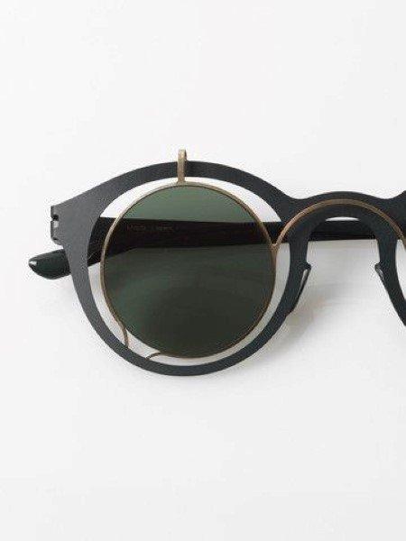 occhiale da sole con montatura distante dal vetro