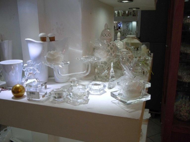 oggetti in vetro e ceramica