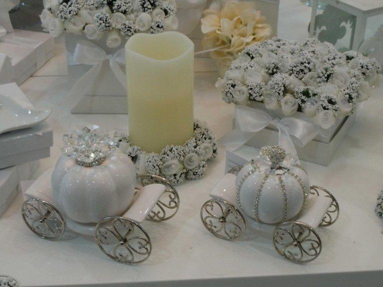 esposizione oggettistica da cerimonia