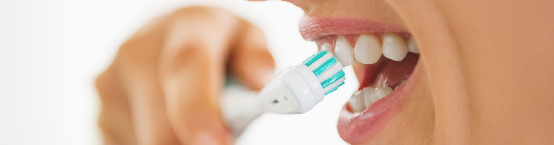 electric tooth brush brushing