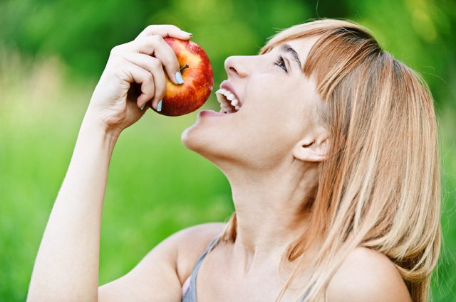 Eat well for strong healthy teeth!
