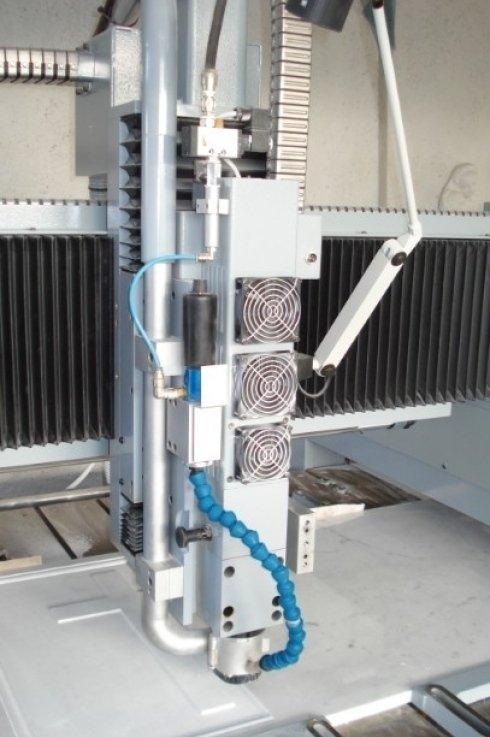 Incisografo macchinario a controllo numerico sarzana spo, opere artistiche in marmo