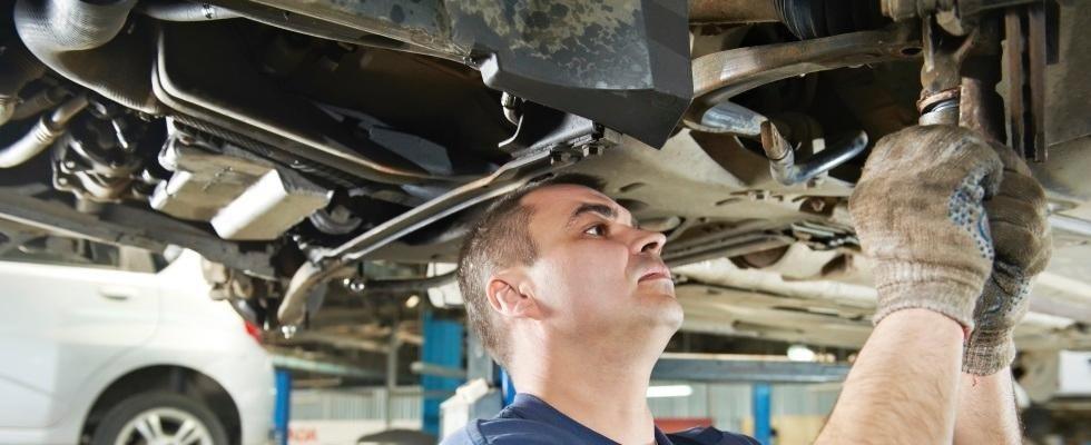 riparazione automobile
