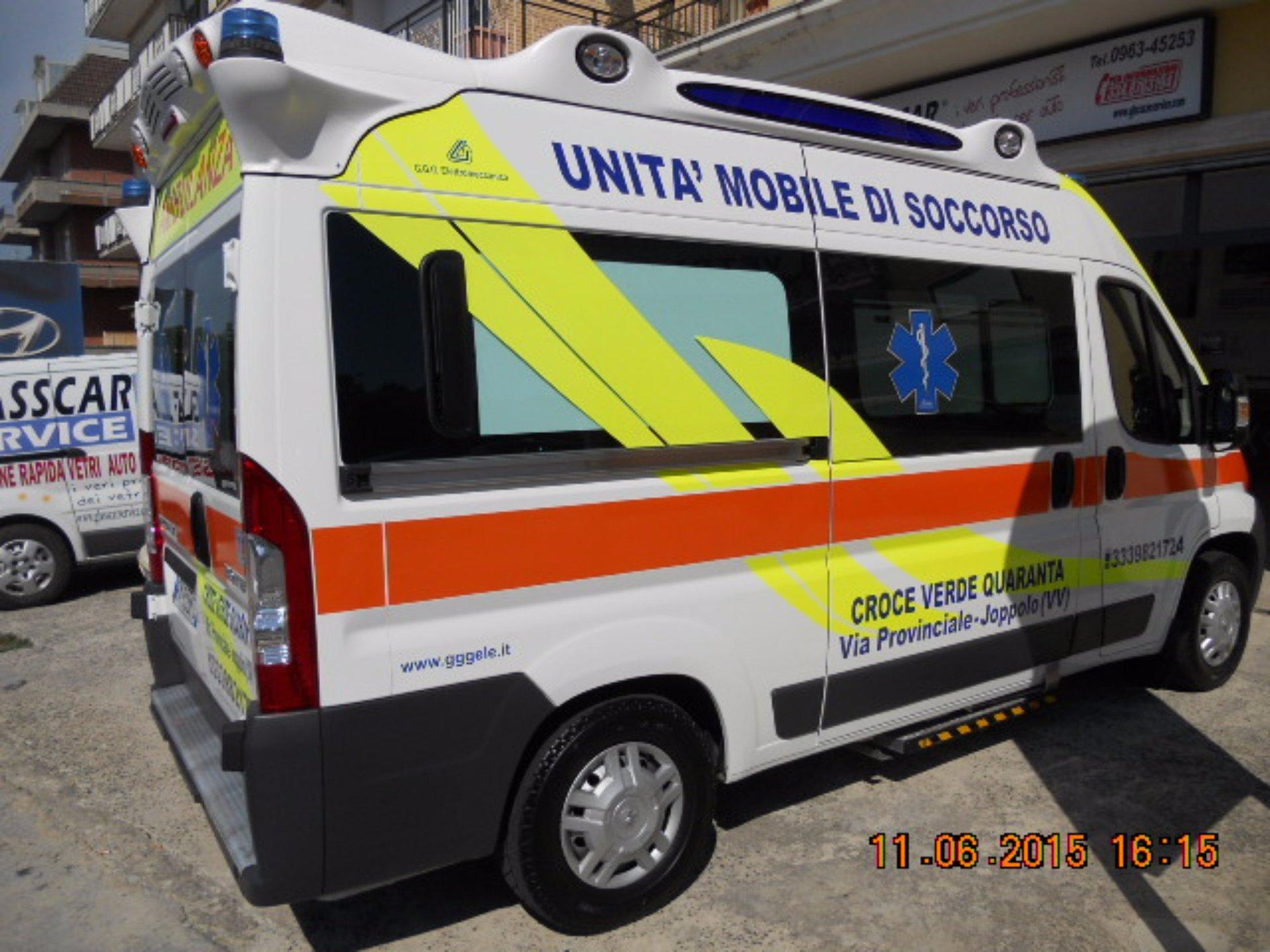 Vista della destra dell'ambulanza