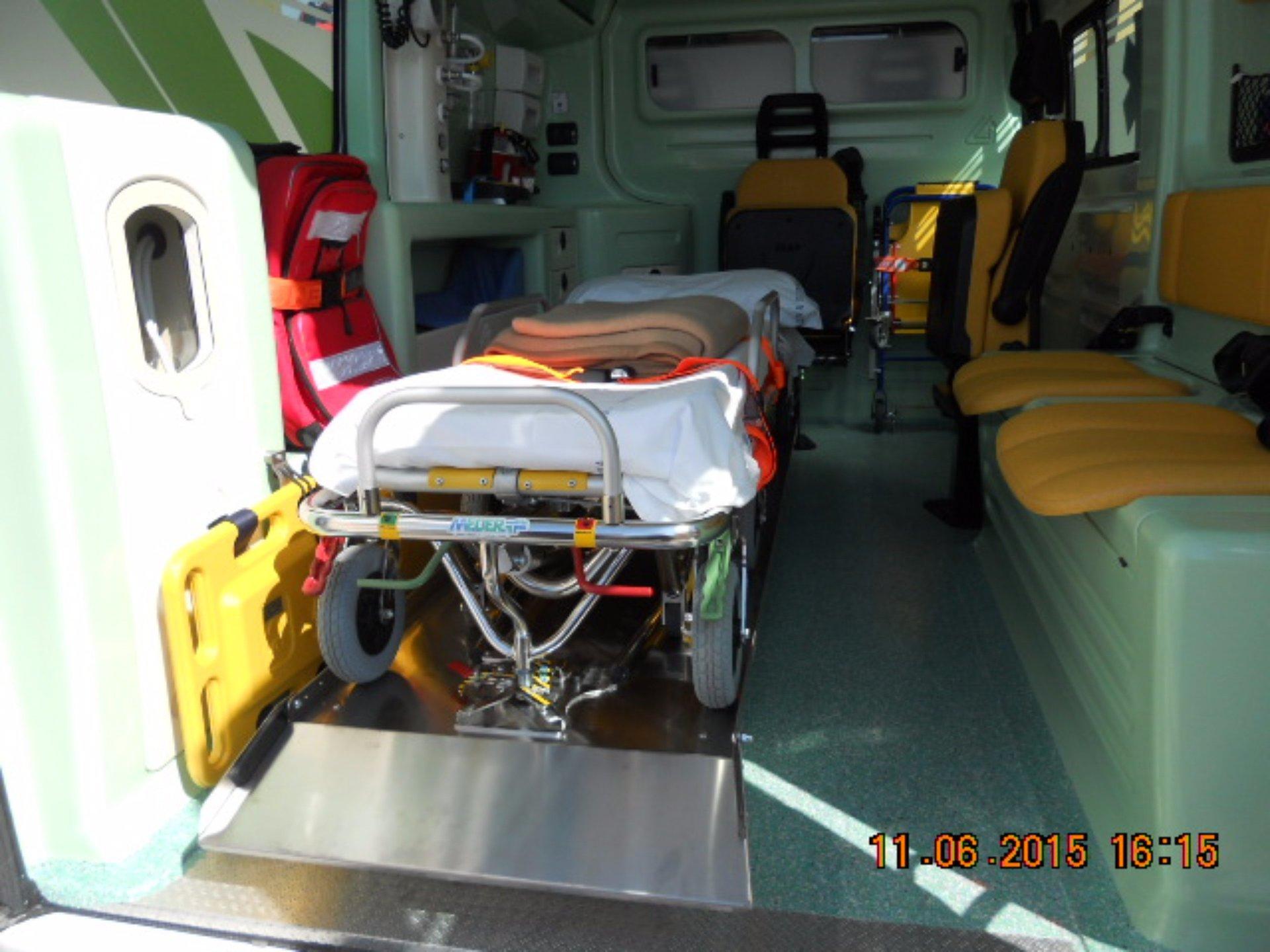 Vista del interno dell'ambulanza