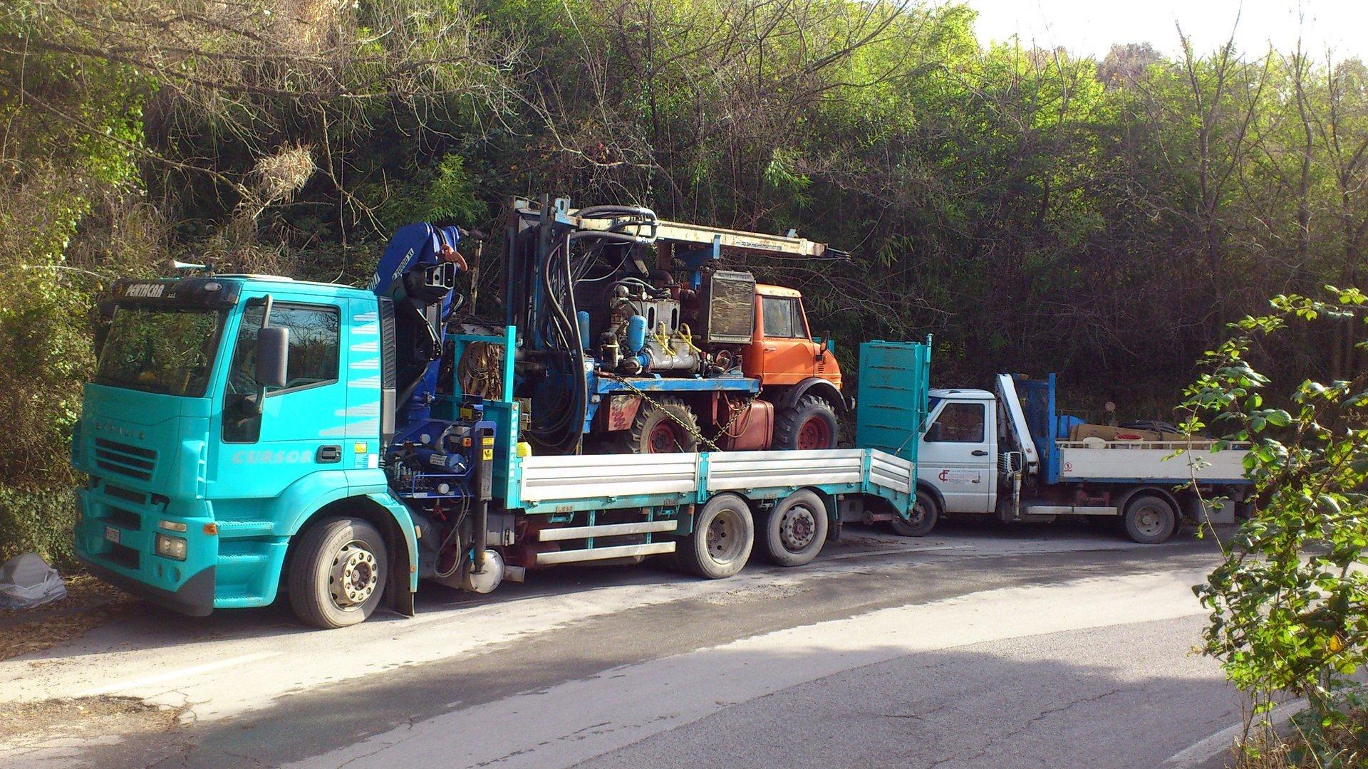 camion con mezzo per trivellazioni