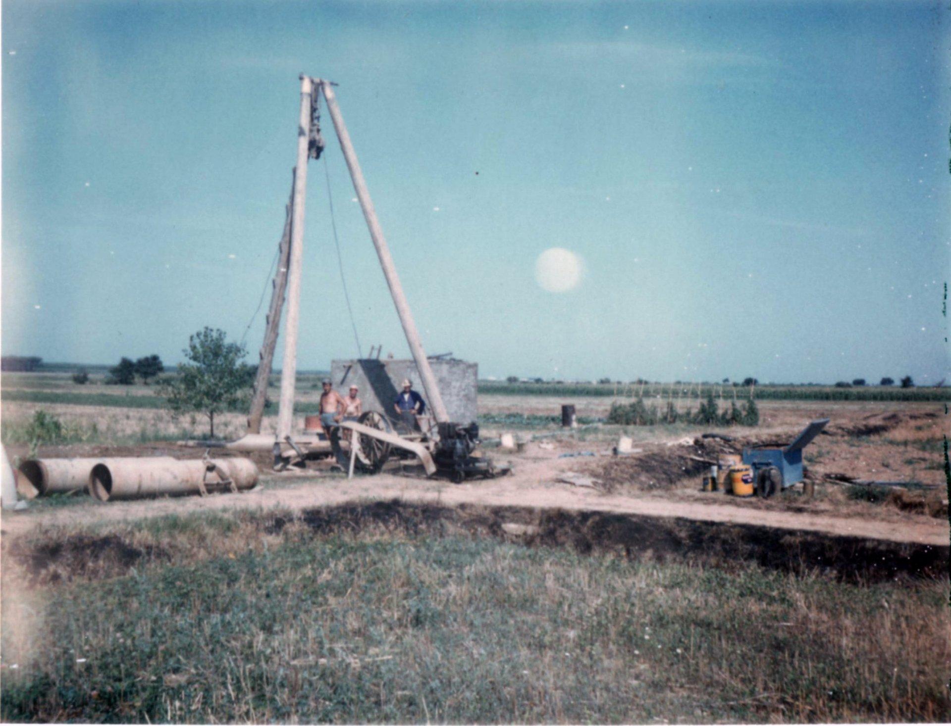 realizzazione pozzo in un campo