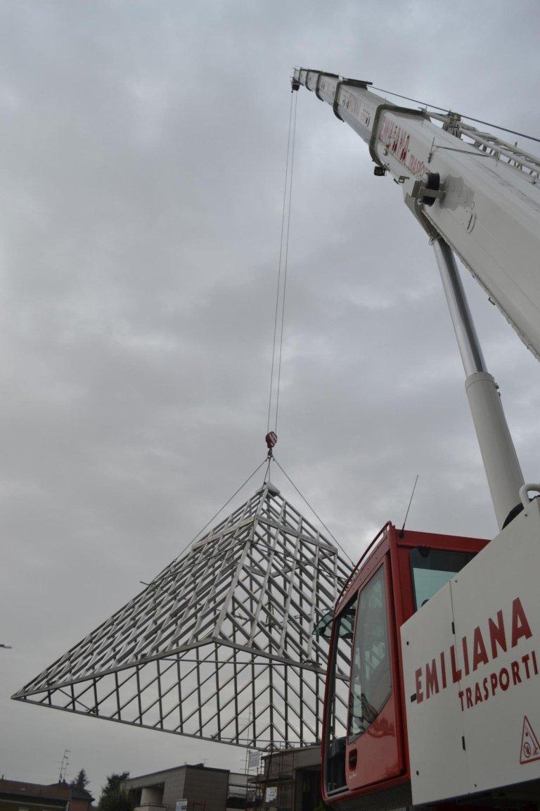 piramide-di-alluminio-4-ton-a-38mt-di-distanza