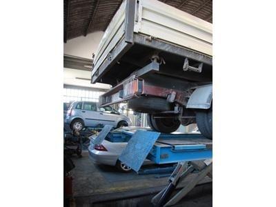 riparazione camioncino
