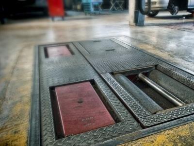 agganci nel pavimento per ponte sollevatore