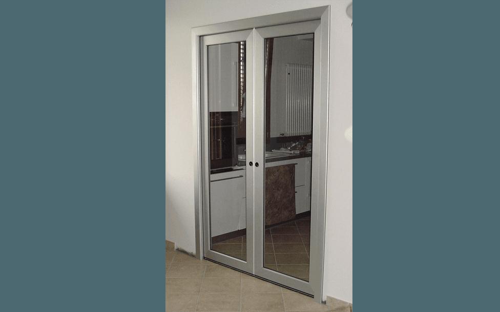Porte e vetri decorati san pietro in casale da man srl - Porta esterna in alluminio ...