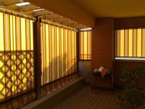 tende avvolgibili: si possono ottenere le più svariate soluzioni di protezione solare e chiusure avvolgibili, sia a sbalzo che verticali.