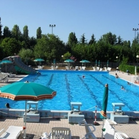 piscina per adulti