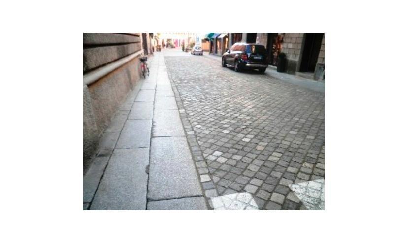 pavimentazione a cubetti e lastre