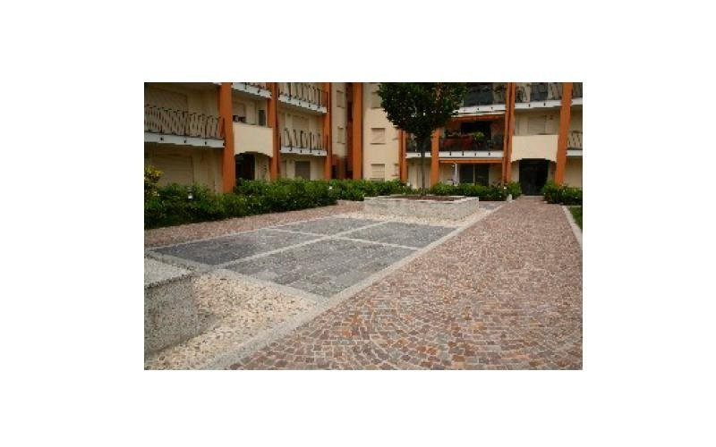 pavimentazione cortile palazzina