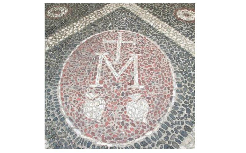 decorazione a mosaico con ciottoli