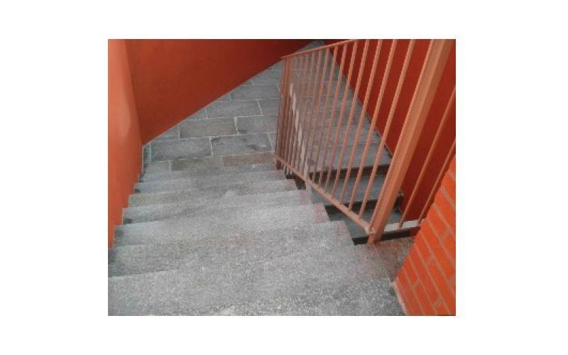 rampe di scale in pietra