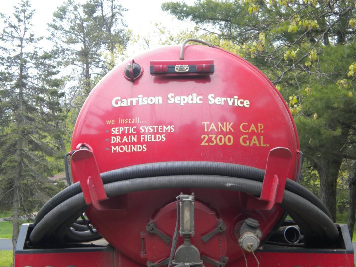Man calls for septic tank installation in Wisconsin Rapids, WI