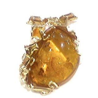Ciondolo in oro  con ambra naturale