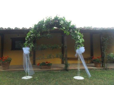 Composizioni ad arco per matrimoni
