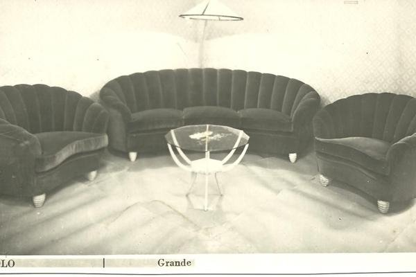 Poltrone e divani in pelle
