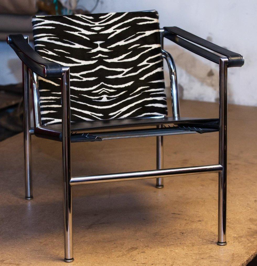 cushions x armchair Barcelona -Van Der Rohe.jpeg