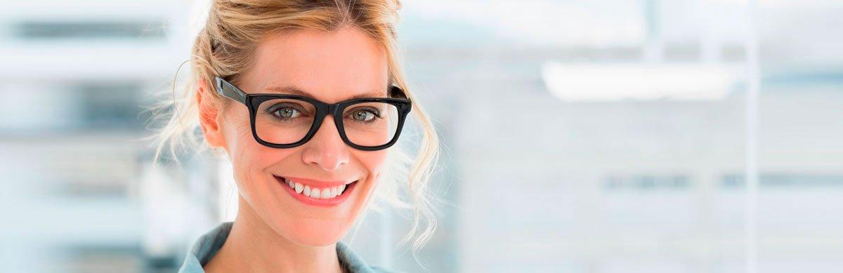 bayoptical-glasses-contact