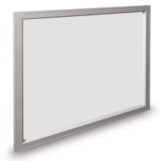 Zanzariera fissa con telaio in alluminio abbinata a rete in fibra di vetro o alluminio. Si possono realizzare zanzariere fisse di varie forme geometriche: triangolare, tonda, semitonda