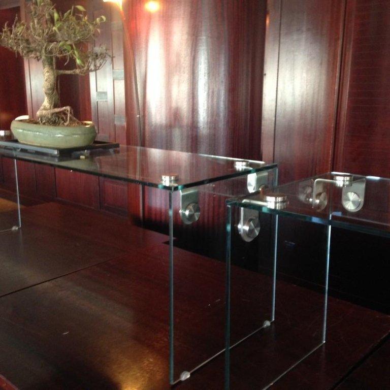 tavoli in cristallo genova