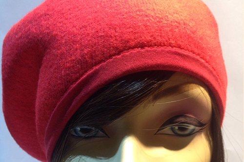 Cappelli al negozio Clary's Parrucche a Verona