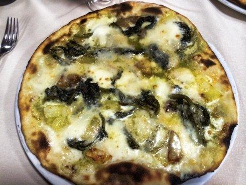 pizza bianca con friarielli